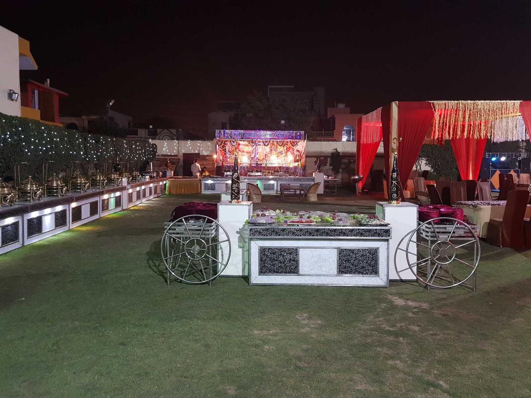 Eros Farms in Sector 11, Faridabad