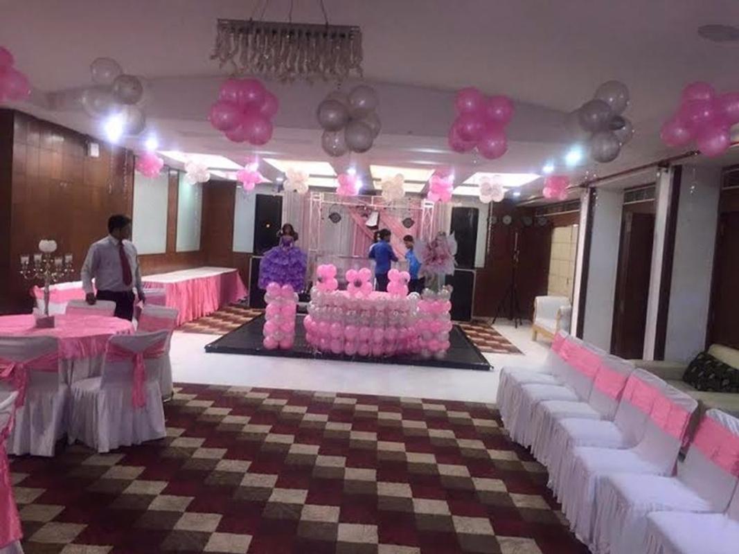 Hotel Abhinandan in NIT, Faridabad