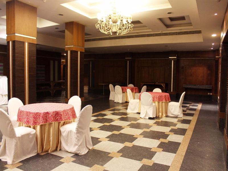 OYO 2502 K Hotel in Sector 31, Faridabad