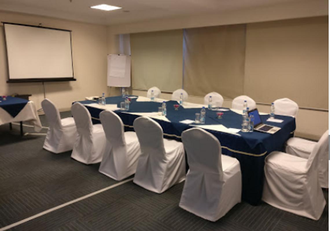 DLF City Club in DLF Phase 3, Gurgaon