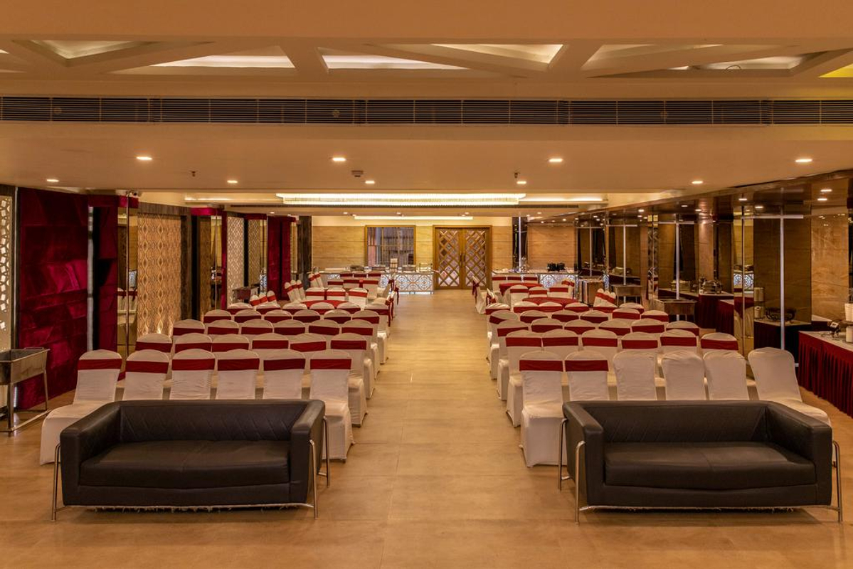 Dng The Grand in DNGT Shar Kan, Kanpur