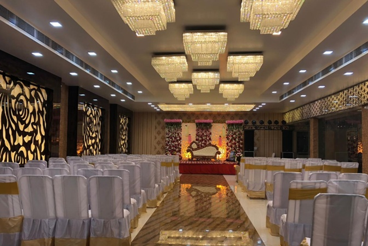 The Wedding Bells in The W Kidw Kan, Kanpur