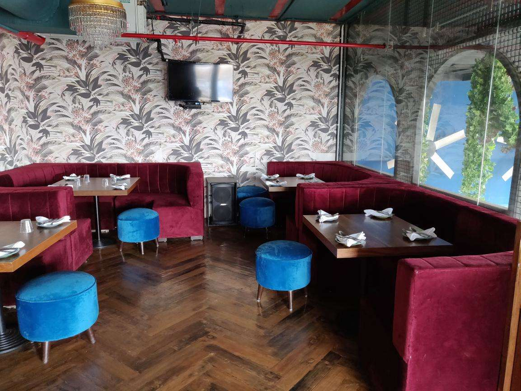 Tarsh Gastronomia Bar in Kothrud, Pune