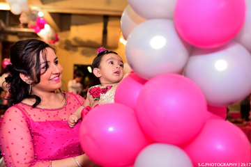 image of sidhi-sood-first-birthday-party-at-essel-tower-mg-road-gurgaon-44