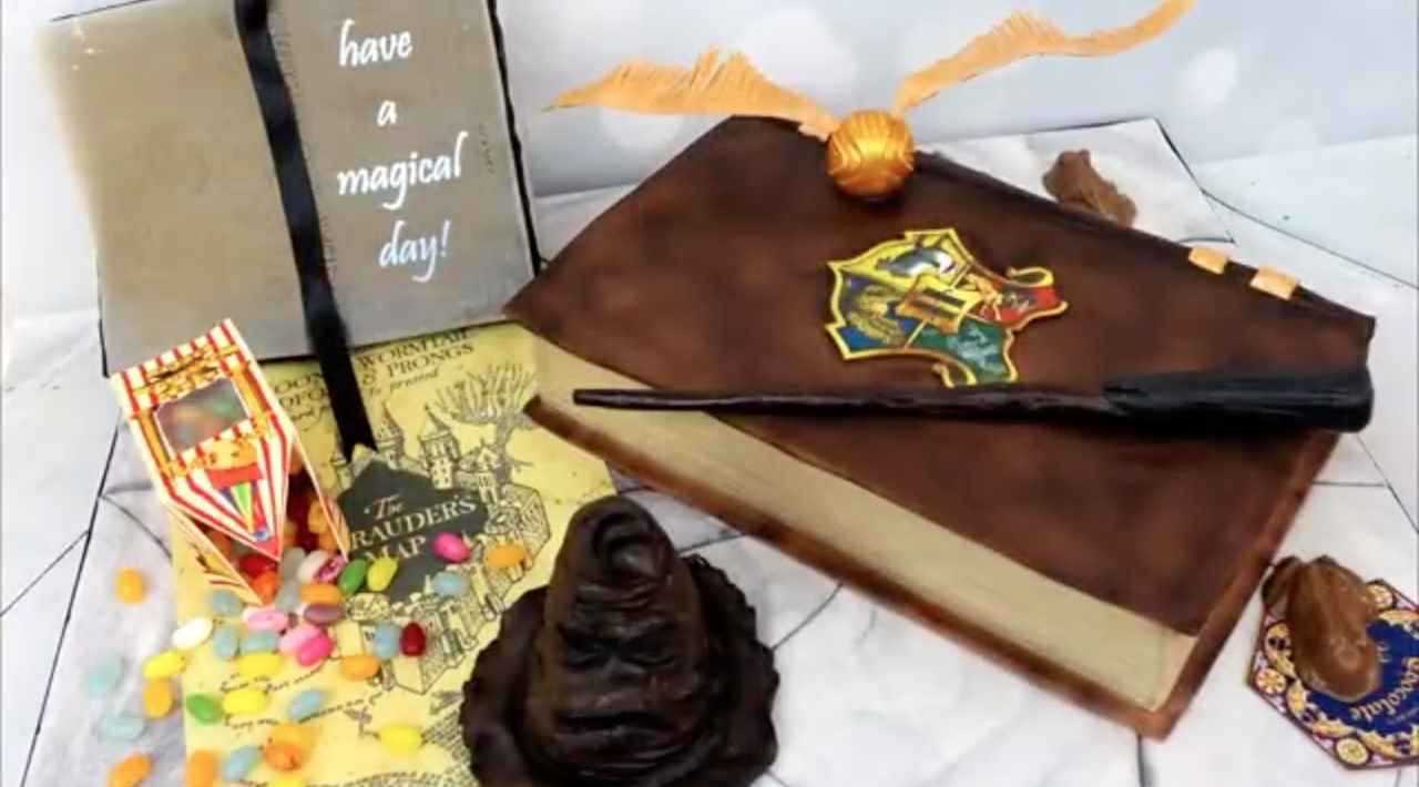 Magical Harry Potter Cake [video]