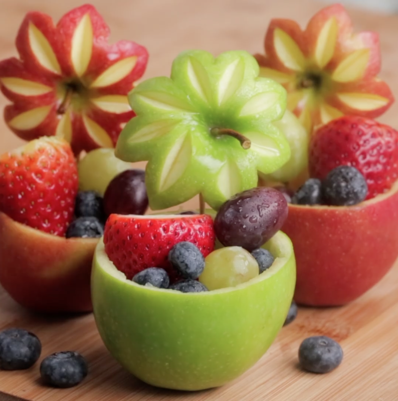 How to Make a Fruit Bowl from Fruits in 1 Minute [video]