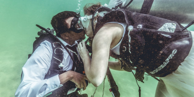 Breaking The Stereotypes, India's First Underwater Wedding! [video]