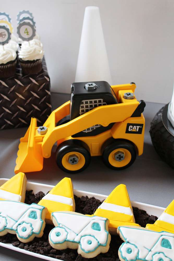 4 Year Old's Construction Theme Birthday Party