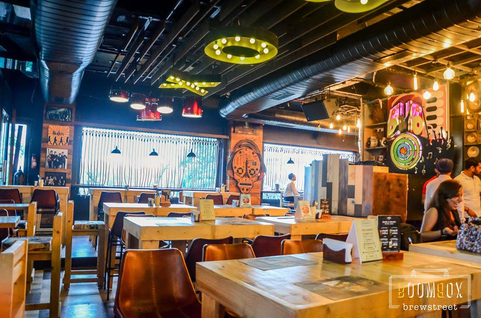 Unlimited Food and Liquor in INR 1300! Why Boombox Brewstreet should be your Next Corporate Team Party Venue