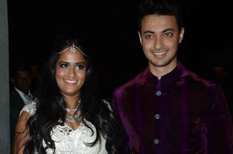 A Grand Post-Wedding Party of Salman Khan's Sister Arpita Khan with Aayush Sharma took place in Hyderabad