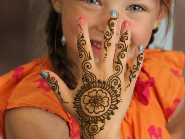 20+ Simple and Easy Hand Mehandi Designs for Kids