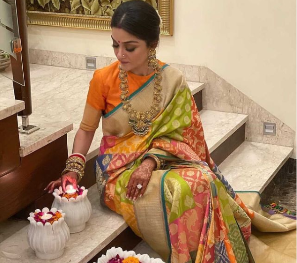 25+ Karva Chauth 2020 Outfit Images