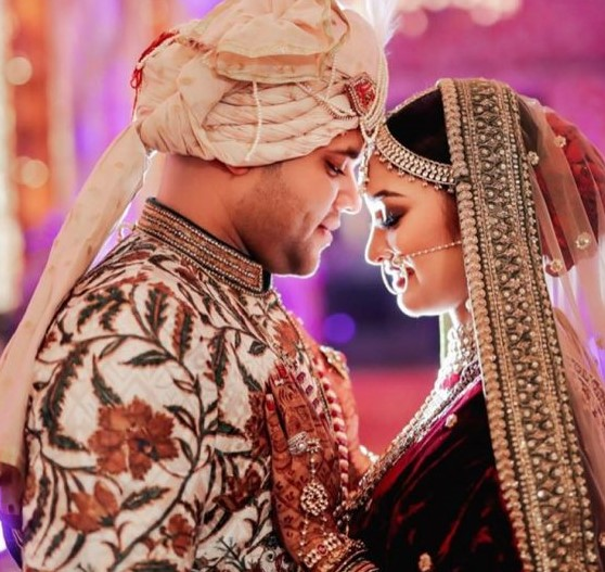 A Royal Hindu Wedding Where the Bride Looked Breath-taking In Her  Bridal Lehenga at Radisson Blu