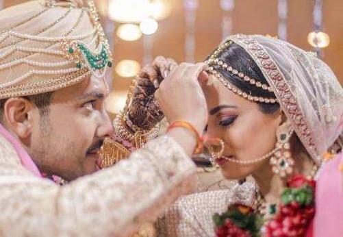 Singer Udit Narayan's son Aditya Narayan & Shweta Agarwal's Bollywood Wedding