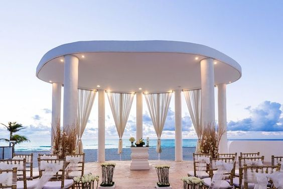 15+ Best Destination Wedding Locations in the World