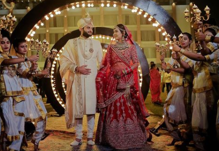 30+Indian Wedding Photography Couple Poses For Photoshoot