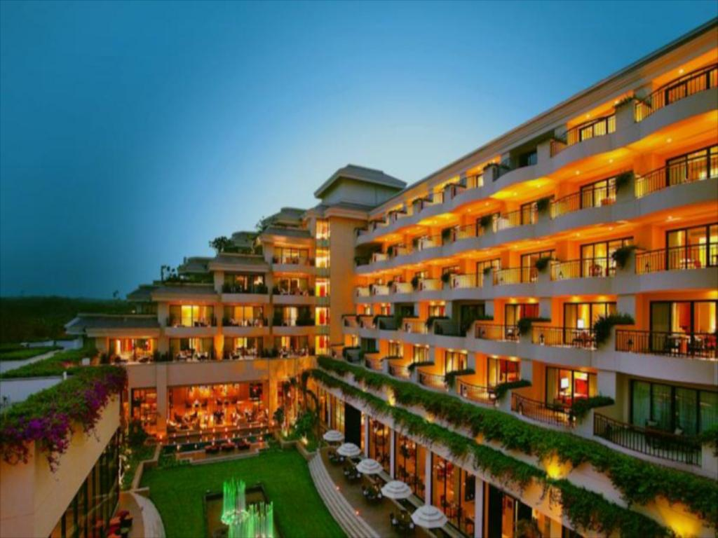 Vivanta By Taj, Surajkund- A beautiful 5 Star Wedding Venue