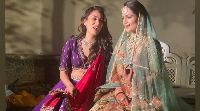 Check Out How Stunning Mira Rajput looked at her best friend's wedding